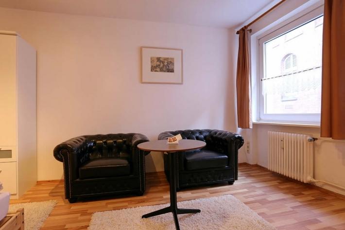 ferienwohnung bei der alten post 1 zimmer ferienwohnung in l beck bis 2 personen fewo royal. Black Bedroom Furniture Sets. Home Design Ideas